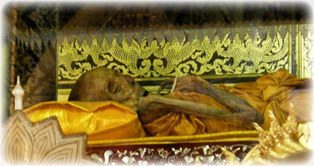 Luang Por Nueang's Mortal Remains in Glass Coffin within the Shrine at Wat Jula Mani